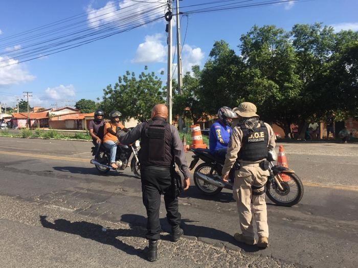 Polícia 'fecha' pontes entre o Piauí e Maranhão com barreiras