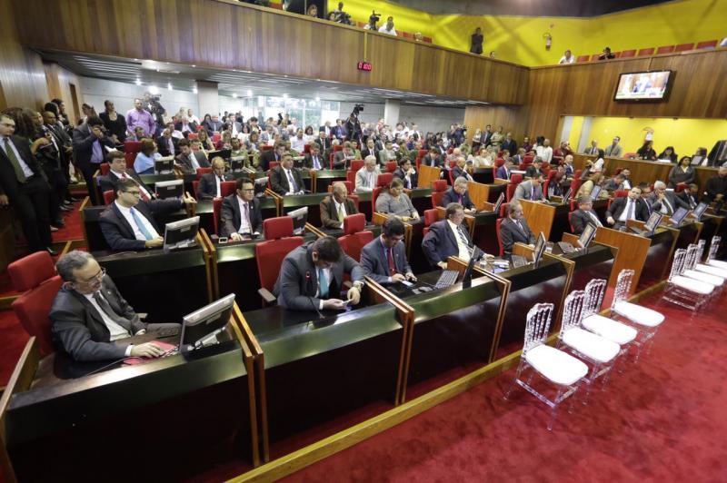Assembleia Legislativa do Piauí realiza última sessão plenária do ano nesta quinta-feira