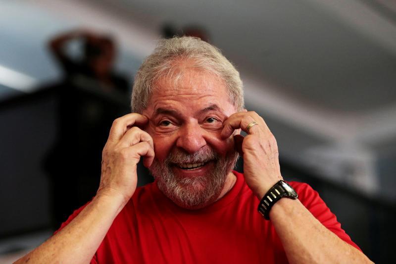 STF proíbe prisão de Lula até volta de julgamento no dia 4