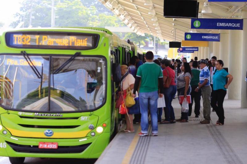Valor da passagem de ônibus reajustado para R$ 3,85 em Teresina