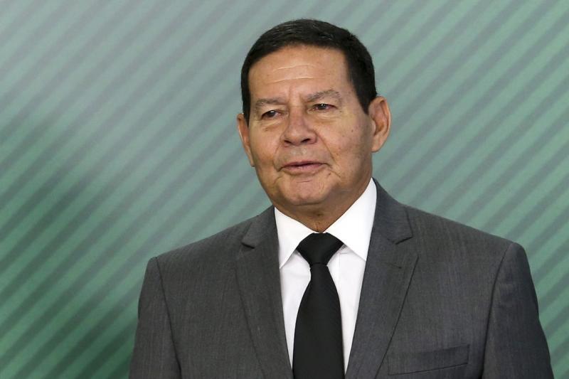 Mourão assume interinamente a presidência durante viagem de Bolsonaro
