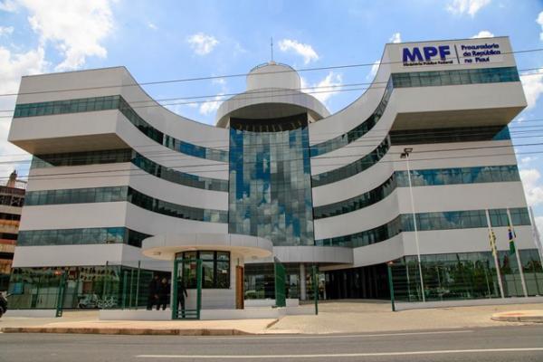 MPF oferece denúncia contra 22 pessoas à Justiça Federal