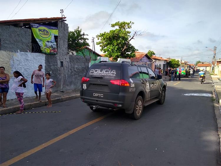Homem é encontrado morto a facadas no Parque Piauí