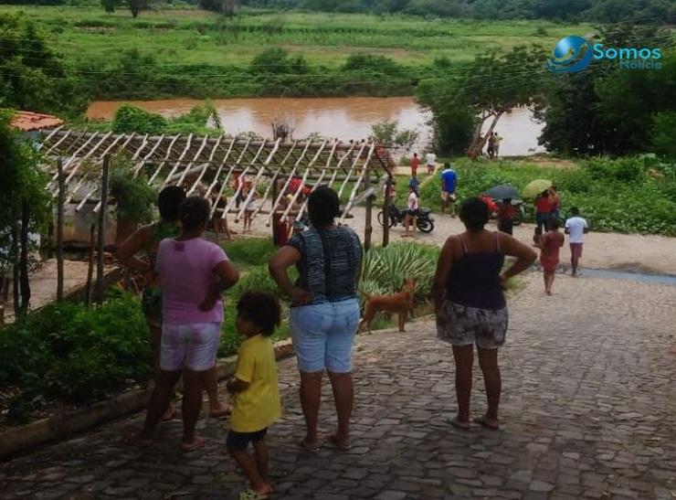Criança de 5 anos desaparece ao cair no rio Canindé