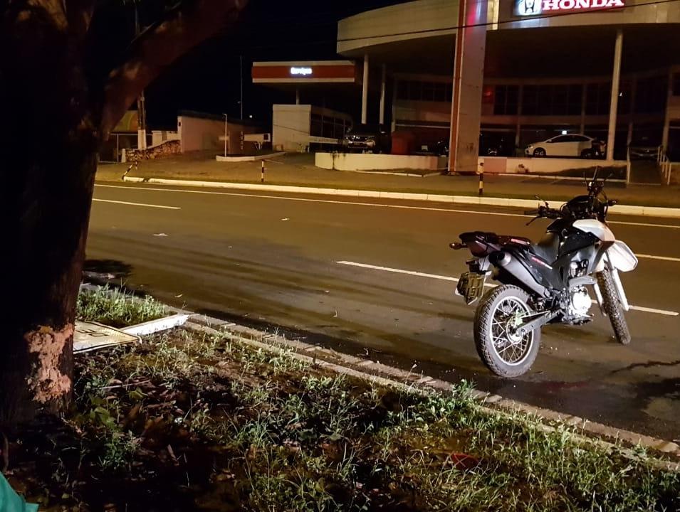 Motociclista morre após grave acidente na Avenida João XXIII