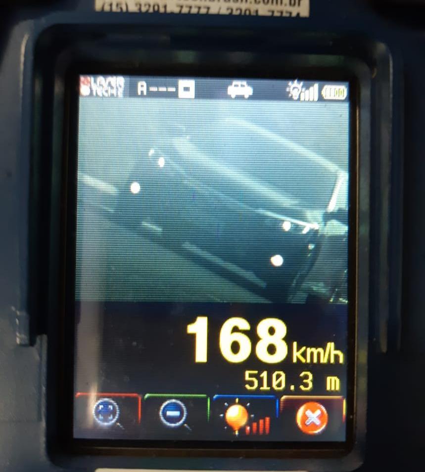 PRF-PI flagra mais de 400 veículos em excesso de velocidade