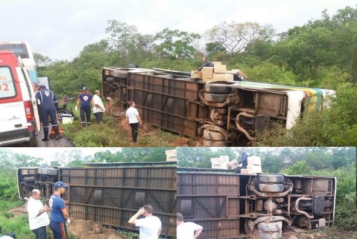 Ônibus vira e deixa vários feridos na BR-135 no Sul do Piauí