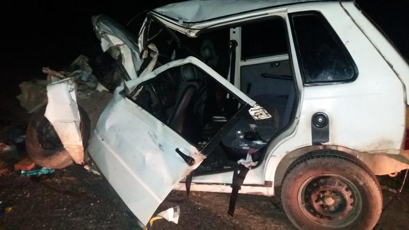 Grave colisão entre caminhão e carro deixa cinco pessoas feridas na BR-343