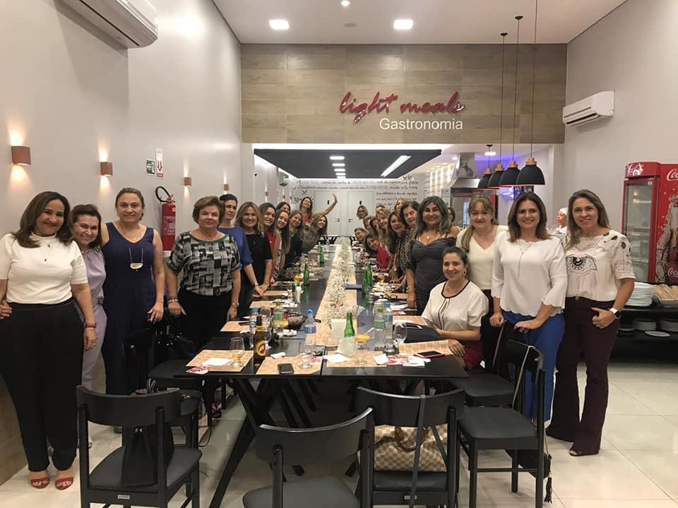 A Força da Notícia: Encontro de Rotarianas no Light Meals Gastronomia