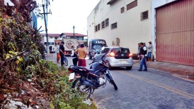 Homem é encontrado morto com vários golpes de faca em Parnaíba