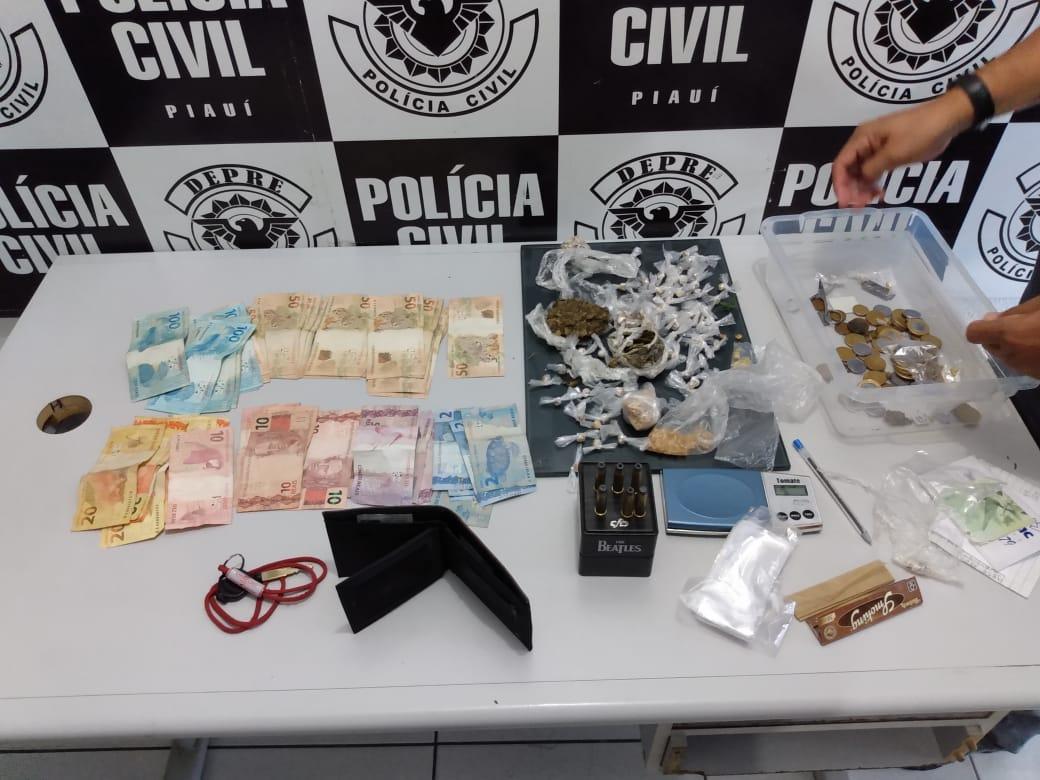 Polícia Civil apreende 130 pedras de crack e dinheiro no Dirceu