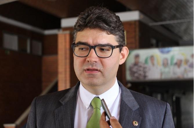 Luciano Nunes sobre candidatura de Firmino ao governo: 'Não consideramos essa possibilidade'