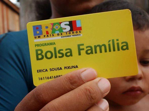 Prazo para regularização de dados escolares do Bolsa Família vai até amanhã