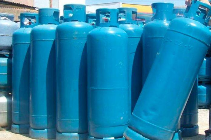Gás para comércio e indústria é reajustado em 6% nas refinarias