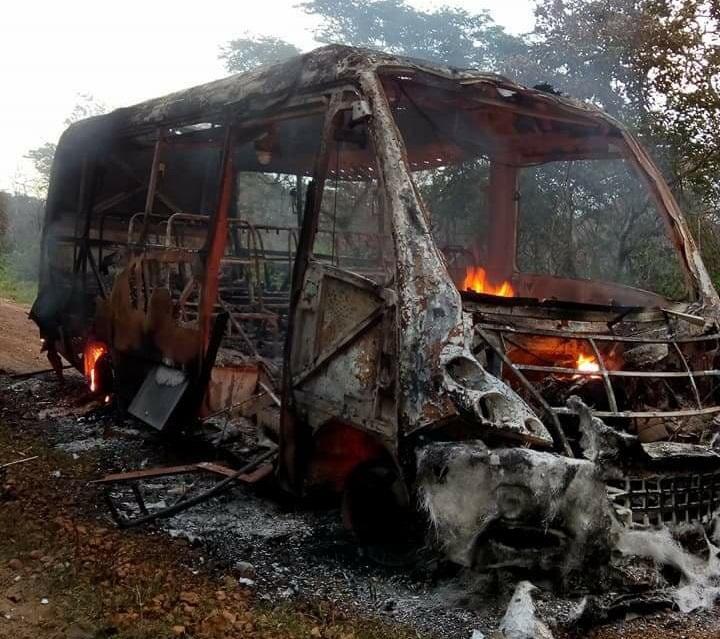 Ônibus escolar incendeia quando transportava vários alunos no Norte do Piauí