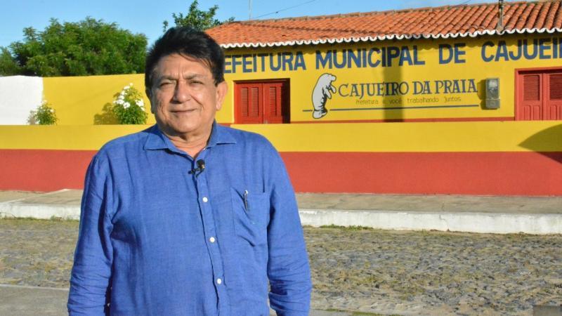 Mensagem do prefeito de Cajueiro da Praia à todos os trabalhadores