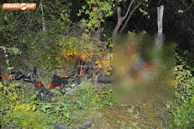Idoso morre e mulher fica ferida em acidente na PI-461