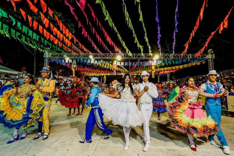 Juninas profissionais se preparam para 25º Festival de Quadrilhas da Cidade Junina