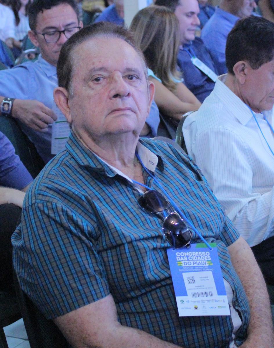 Prefeito Wagner Coelho, de Uruçuí, participa de abertura do Congresso das Cidades