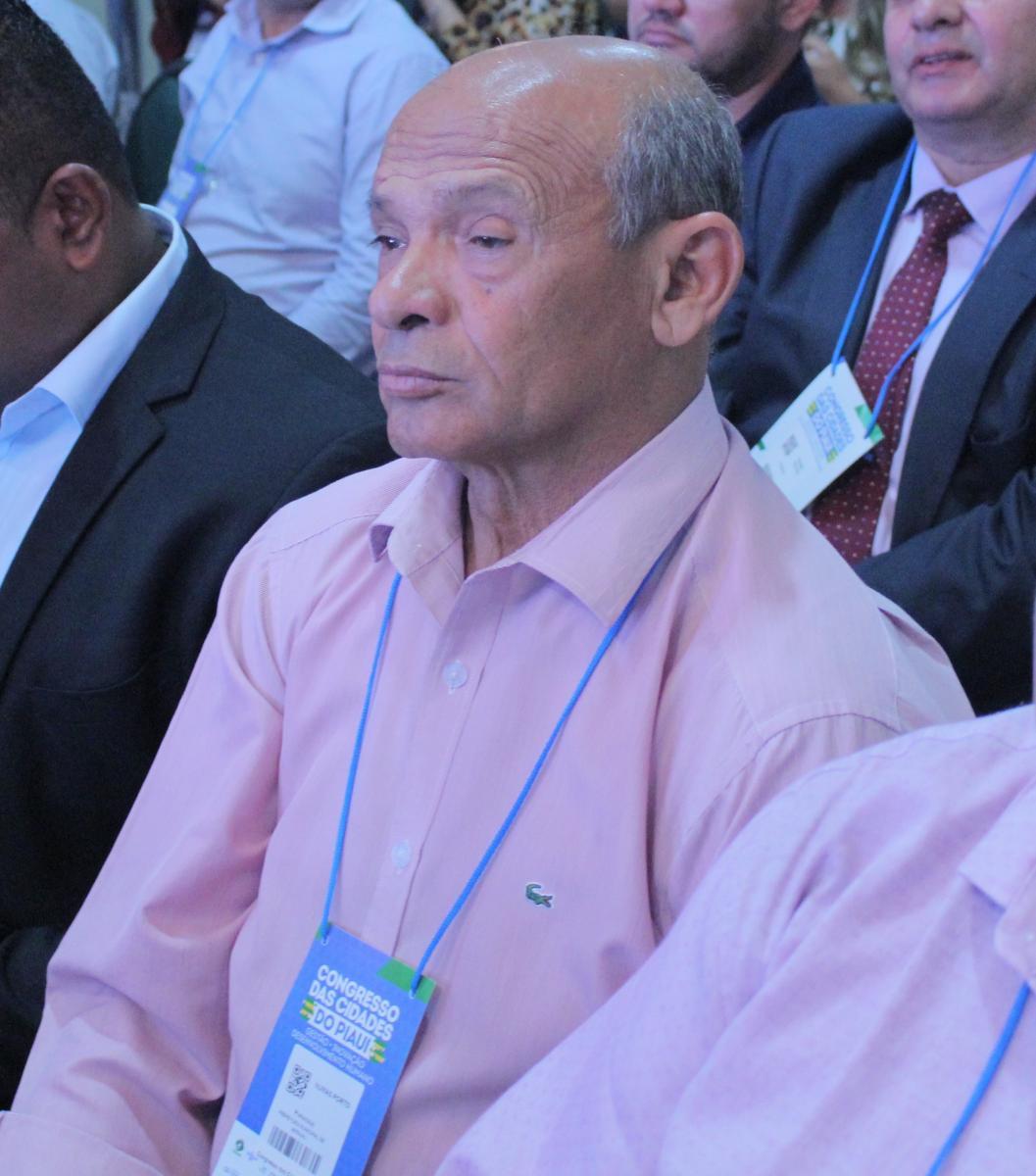 Prefeito Arraial, Numas Porto participa de abertura do Congresso das Cidades