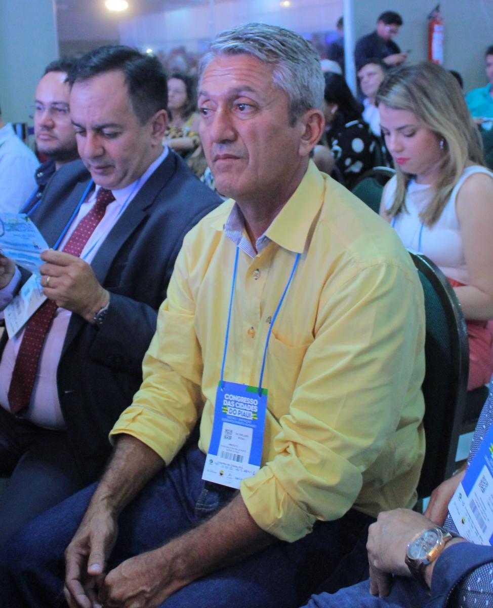 Prefeito de Monte Alegre do Piauí, Antônio Neto participa de abertura do Congresso das Cidades