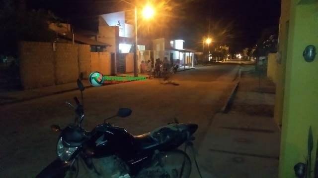 Menor de idade atropela criança com moto e quase é linchado pela população