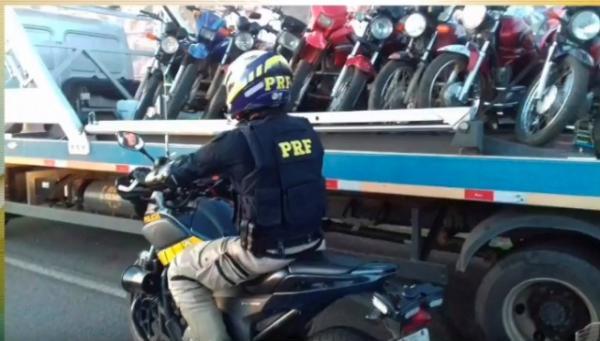 PRF apreende 60 motos e prende quatro pessoas em Floriano