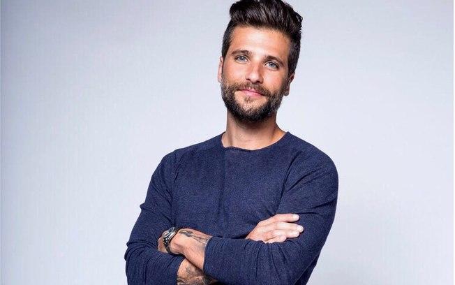 Após encerramento de novela, Bruno Gagliasso faz nova tatuagem