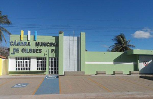 Vereadores decidem afastar prefeito de Gilbués