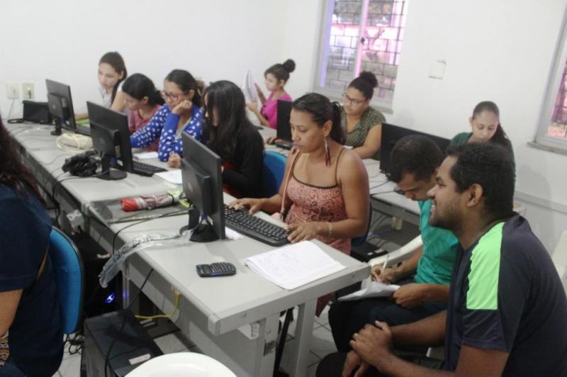 Cursos profissionalizantes gratuitos chegam a vários bairros de Teresina