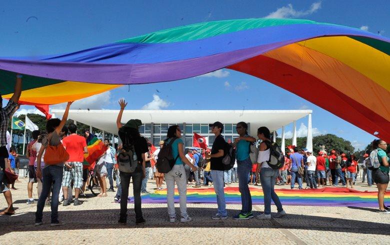 STF retoma julgamento e pode decidir hoje sobre criminalização da homofobia
