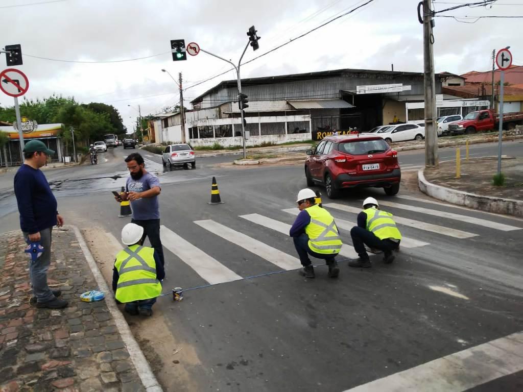 Fiscalização eletrônica é instalada no cruzamento da Avenida Gil Martins com Celso Pinheiro