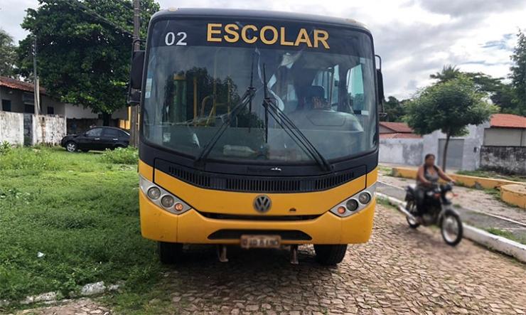 Criança de dois anos é atropelada por ônibus e sobrevive no Piauí