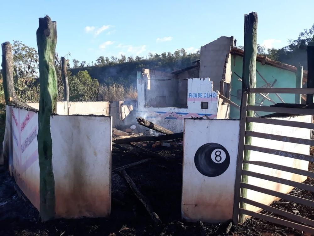 Homens ateiam fogo em bar depois de acabar cerveja gelada no Piauí
