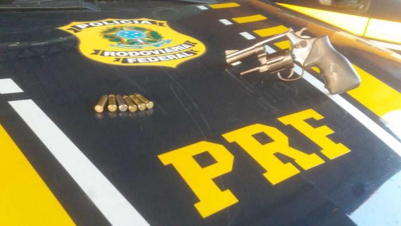 Homem é detido por porte ilegal de armas em Floriano