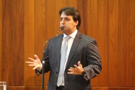 Flávio Júnior (PDT) quer instalação de dispositivos de segurança nas escolas