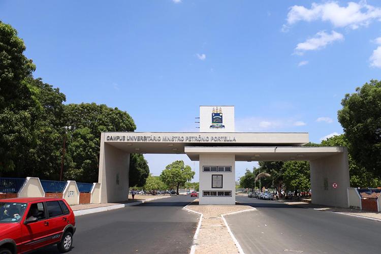 UFPI abre concurso para 29 vagas e salários de até R$ 8 mil