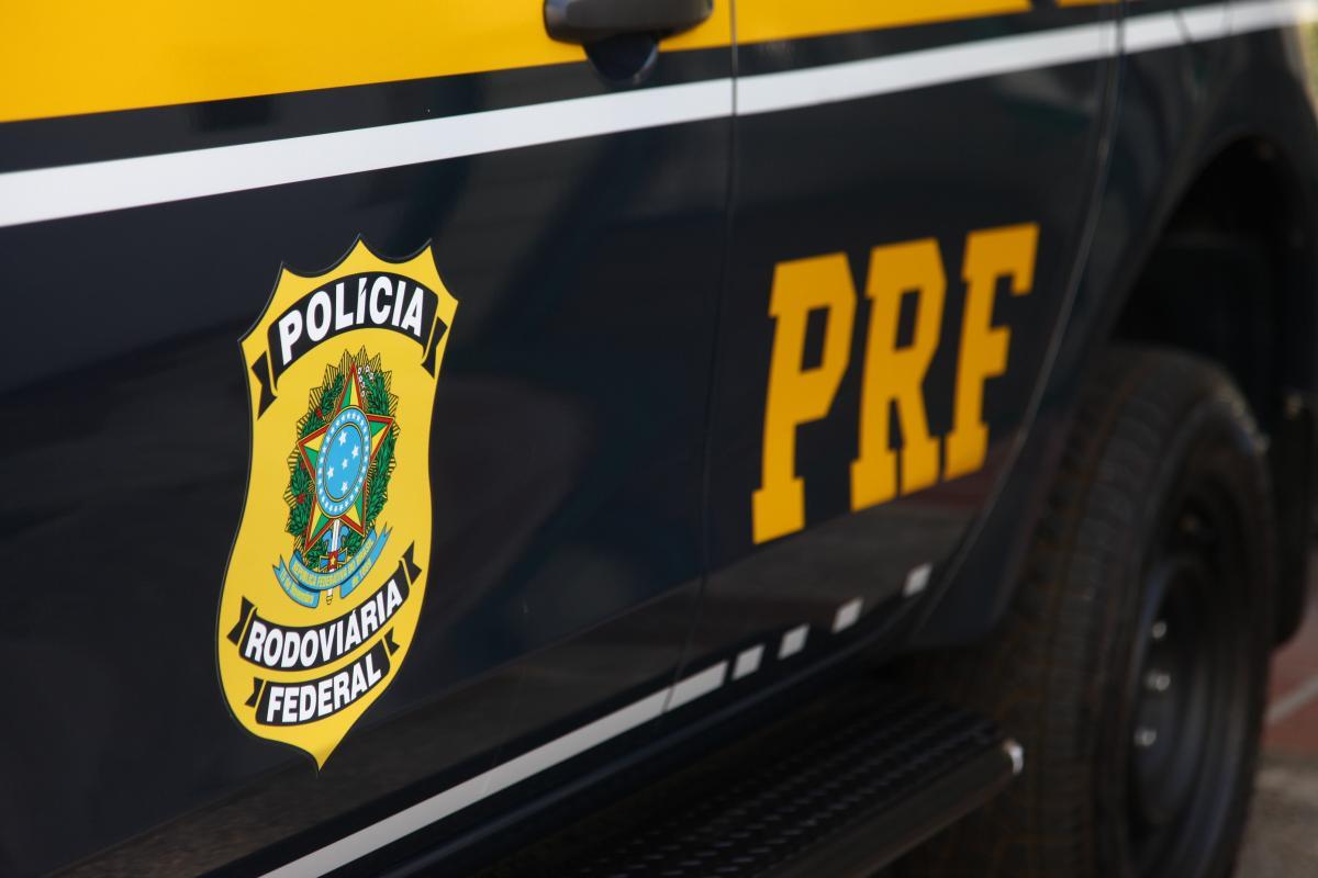 PRF recupera motocicleta após assalto na BR 316 em Teresina
