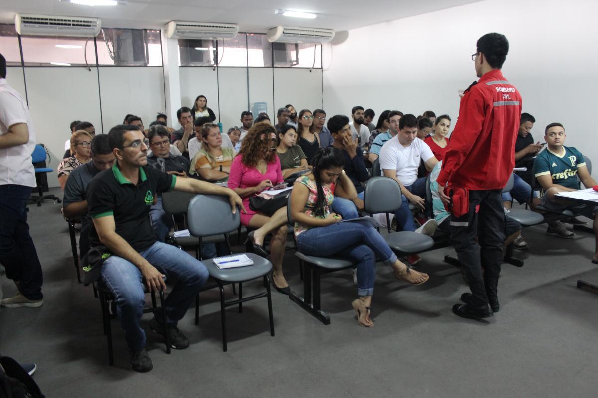 Vigilância Sanitária orienta vendedores de alimentos da Cidade Junina