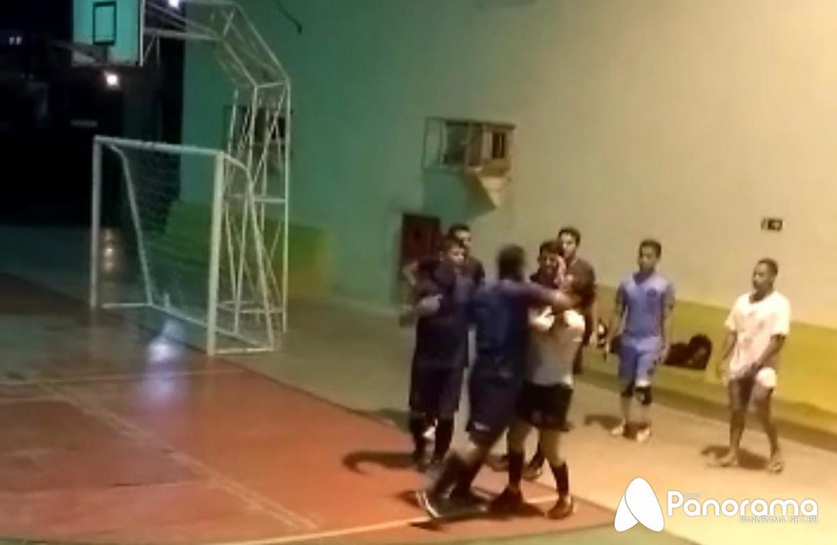 Estudante bate em árbitra durante jogo de futsal na UFPI de Parnaíba