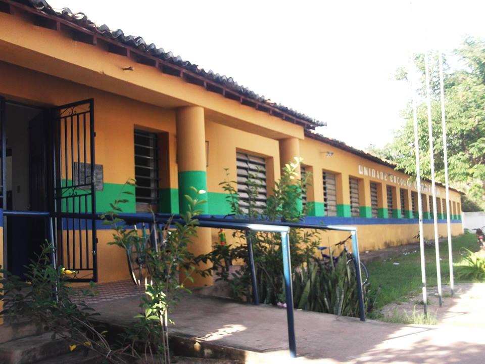 Assustador: Mais de vinte estudantes desmaiam de uma vez em escola estadual do Piauí