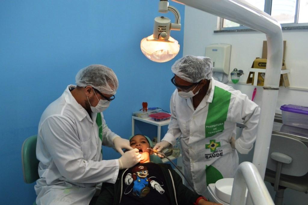 FMS passa a oferecer tratamento de canal para crianças em Teresina