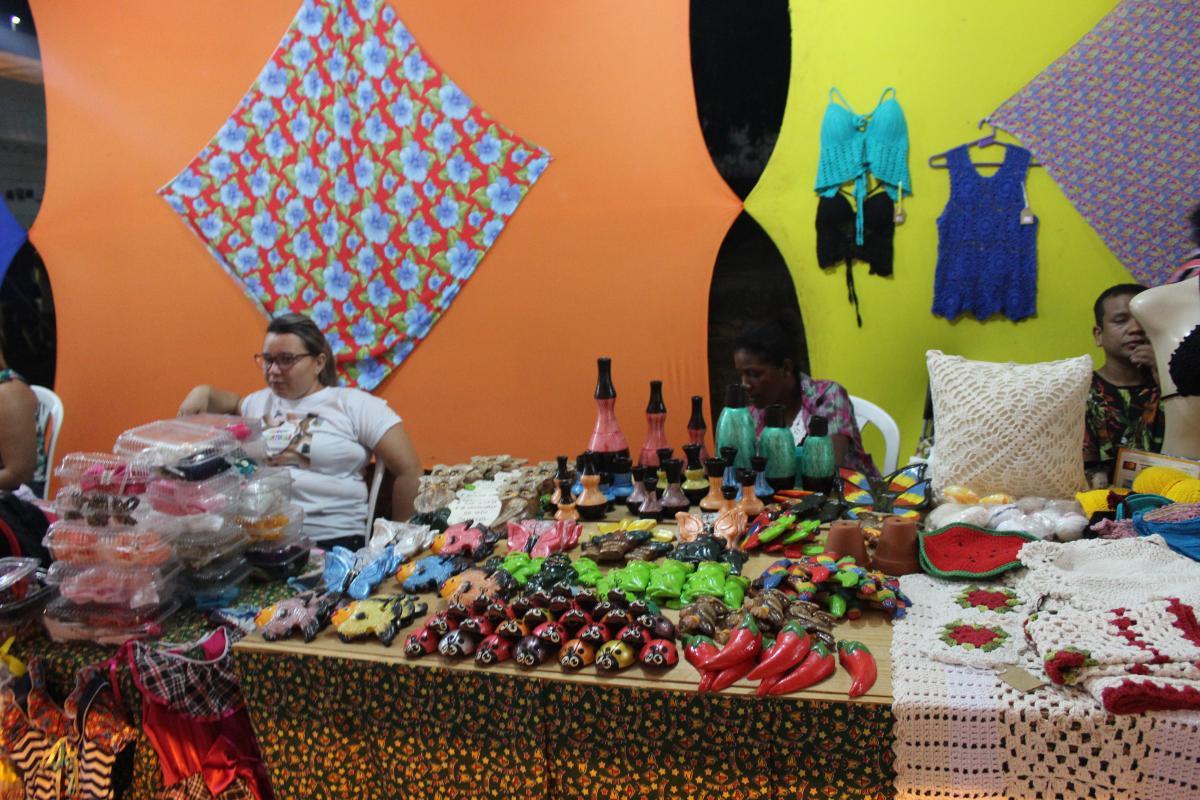 Secretaria de Economia Solidária acompanha artesãos na Cidade Junina