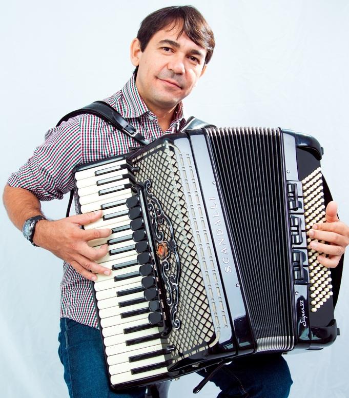 Sanfoneiro Ivan Silva apresenta Projeto Forró do Maestro!