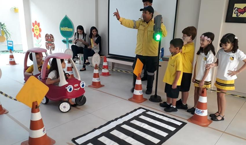 Projeto ensina estudantes sobre a importância de leis de trânsito em Teresina