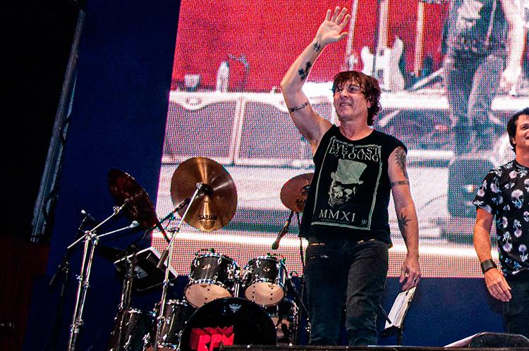 Morre o baterista da banda RPM aos 61 anos