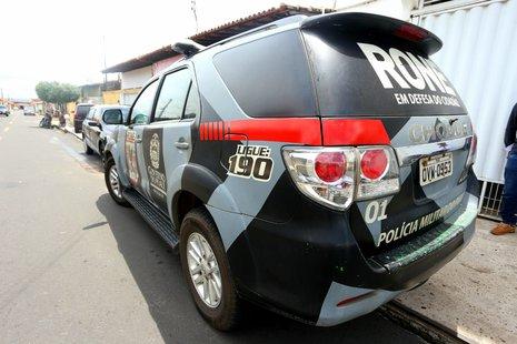 Policial impede prisão de filho suspeito de arrombar carro no Dirceu