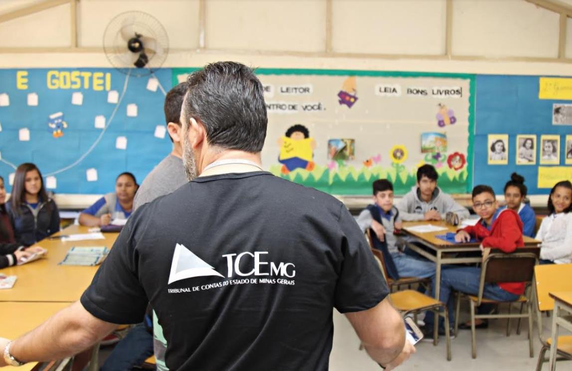 TCE lança aplicativo para fiscalização de escolas em Teresina