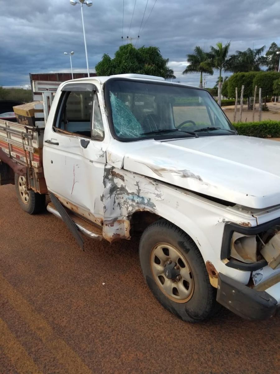 Professora morre em colisão entre motocicleta e caminhonete em São Raimundo Nonato