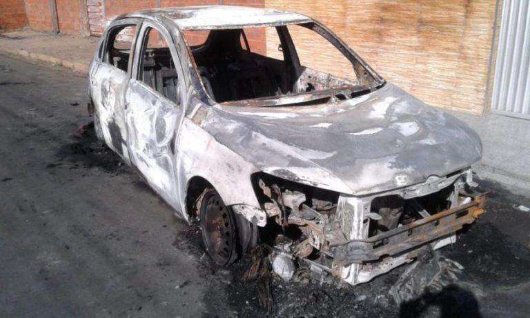Carro de policial é arrombado e incendiado no Piauí